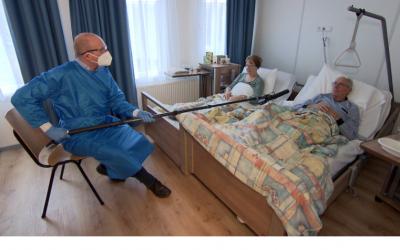Grote druk op thuiszorg door corona, zorghotel kan oplossing bieden